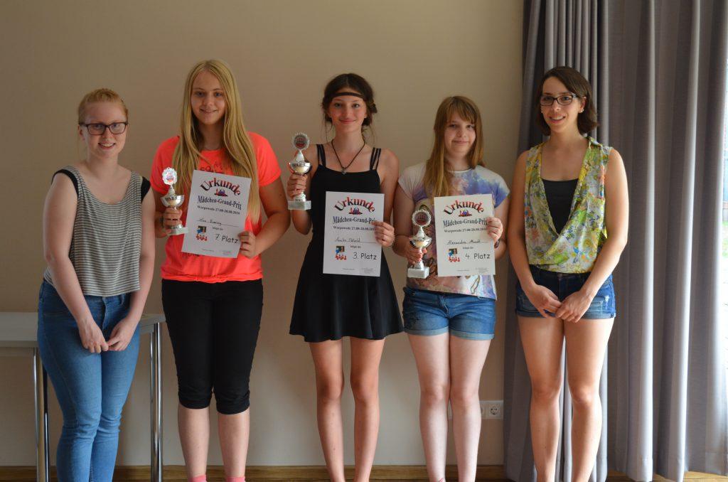 Besten drei U14) Von links nach rechts: Kira Evering, Annika Petzold, Alexandra Mundt